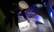 Xe khách giường nằm chở hơn 200 kg thực phẩm bốc mùi vào Đà Nẵng