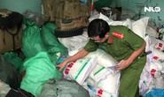 Phát hiện hàng trăm kg bột ngọt giả ở quận Bình Tân