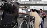 Máy giặt, pin mặt trời thành nạn nhân của nước Mỹ trên hết