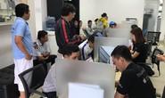 Apple hết pin iPhone 6 Plus để thay cho khách Việt