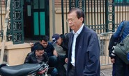 Tòa xử ông Đinh La Thăng: Ông Phùng Đình Thực đi bộ rời tòa sau tuyên án