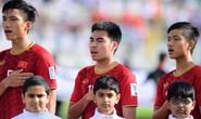 Tiền vệ Đức Huy mất trí nhớ sau pha va chạm ở trận gặp Iran