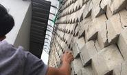 Vụ tường thành khổng lồ trên đầu dân: Sợ hãi vì gạch bắt đầu rớt xuống