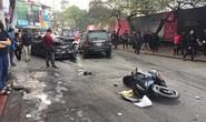 Công an làm việc với tài xế xe Ford Escape để xác định nguyên nhân vụ tai nạn kinh hoàng