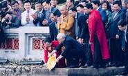 Tổng Bí thư, Chủ tịch nước thả cá chép tiễn ông Táo ở Hồ Gươm