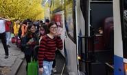 2.500 sinh viên theo chuyến xe mùa xuân về quê đón Tết