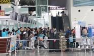 Sân bay Nội Bài tiếp tục hạn chế người nhà đưa tiễn