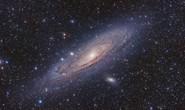 Một thiên hà đang lao tới, đe dọa đẩy trái đất khỏi vùng sự sống