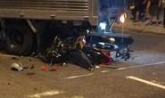 Xe máy nát bét sau cú tông vào xe tải, thanh niên tử nạn