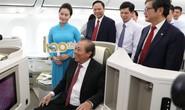 Phó Thủ tướng ngồi thử siêu máy bay, chiếc máy bay thứ 100 của Vietnam Airlines