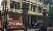 Bắt 2 nữ cán bộ Sở Tư pháp Nam Định rút tiền đặt cọc đấu giá đất cho vay lãi