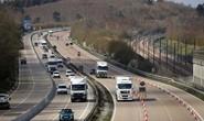 Phát hiện thêm 9 người nhập cư trên một xe tải ở London