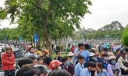 VIDEO: Vô tư livestream khi phát hiện thi thể một phụ nữ dưới  kênh Nhiêu Lộc - Thị Nghè