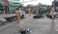 Dòng người hiếu kỳ kéo đến hiện trường 2 ôtô và 2 xe máy tông nhau chết người