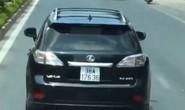Xe sang Lexus nghênh ngang không nhường đường cho xe chữa cháy đi làm nhiệm vụ