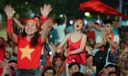 CĐV Việt Nam vỡ òa với siêu phẩm của Tiến Linh