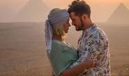 Katy Perry mừng sinh nhật 35 hoành tráng tận sa mạc