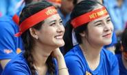 Dàn CĐV nữ tưng bừng sau trận thắng đậm của U22 Việt Nam