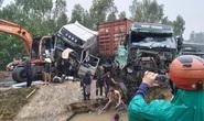 2 tài xế bị thương kẹt trong cabin sau vụ tai nạn liên hoàn giữa xe container, xe đầu kéo và máy xúc