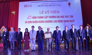 ĐH Duy Tân đón nhận Huân chương Lao động hạng Nhất