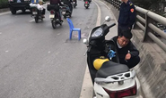 Truy tìm xe bán tải gây tai nạn khiến 2 mẹ con thương vong rồi bỏ chạy