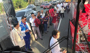 Xe buýt chở đoàn thể thao Việt Nam và Lào va chạm trên đường dự lễ khai mạc SEA Games