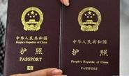 """Philippines đóng dấu thị thực lên hộ chiếu Trung Quốc, đè """"đường lưỡi bò"""""""