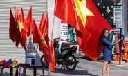 Màu cờ sắc áo rợp khắp phố phường trước trận chung kết SEA Games 30