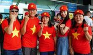 Khán giả nhà rầm rộ sang Philippines tiếp lửa U22 Việt Nam