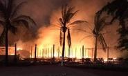 Lửa cháy dữ dội, thiêu rụi 4 nhà hàng ở Hội An