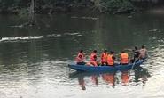Bố và con gái 5 tuổi ra sông ngắm cảnh, thuyền lật khiến cả hai tử vong thương tâm