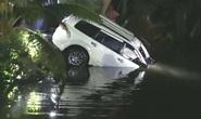 Thái Lan: Xe lao xuống kênh, tài xế chết trên tay lái, thị trưởng biến mất