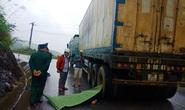 Va chạm với xe container, một thanh niên chết thảm