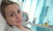 Đưa thai nhi ra khỏi bụng mẹ chữa bệnh…rồi đưa vào lại