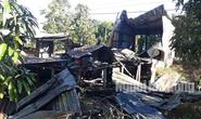 Cha và con 5 tuổi đi vắng, căn nhà cháy ra tro