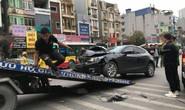 Ôtô Mazda tông liên hoàn nhiều phương tiện trên phố, 3 người bị thương