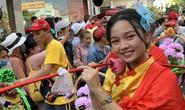 Rước kiệu Bà ở Bình Dương: Mỹ nhân đầy phố, Tề Thiên nhảy tưng bừng