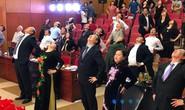 Bộ trưởng Nguyễn Thị Kim Tiến cùng hàng trăm đại biểu tập thể dục giữa giờ 3 phút