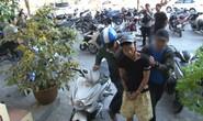 Cướp giật hàng trăm triệu đồng chia nhau đi mua xe máy