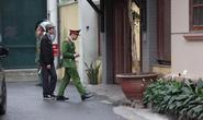 Cận cảnh khám xét nhà 2 cựu bộ trưởng Nguyễn Bắc Son và Trương Minh Tuấn