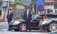 Clip đoàn xe hộ tống Chủ tịch Kim Jong-un thăm Đại sứ quán Triều Tiên