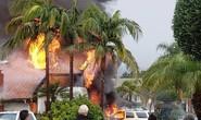 Máy bay lao vào khu dân cư ở quận Cam - Mỹ, ít nhất 2 người chết