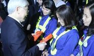 Tổng Bí thư, Chủ tịch nước lì xì cho công nhân môi trường trước thời khắc giao thừa