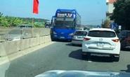 Tài xế xe khách chạy ngược chiều trên Quốc lộ 1A bị phạt 1 triệu đồng