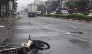 Xe container lao sang đường ngược chiều, người đi xe máy chết thảm