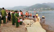 Nghỉ học ra sông tắm, 8 học sinh chết đuối thương tâm