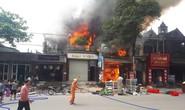 Cháy lớn tiệm tạp hóa, 2 nhà hàng xóm vạ lây
