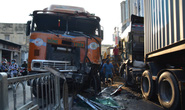 Xe container lao như tên bắn vào nhà dân, 6 người suýt chết