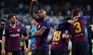 Real Madrid nhận hat-trick thất bại siêu kinh điển, Barcelona bay cao ở Bernabeu