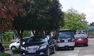 Lộ chủ nhân của nhiều xe biển xanh đi tiệc cưới con chủ nhiệm UBKT Quảng Bình